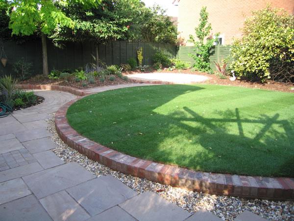 Ayuda para dise ar un jard n sostenible de bajo - Bordillos para jardines ...