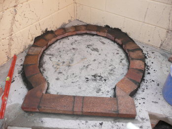 Horno de le a en jard n hecho paso a paso for Como hacer un horno de lena de hierro