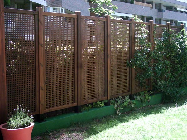 Ayuda para cambiar plantas en macizo entrada jard n p gina 2 for Celosia madera ikea